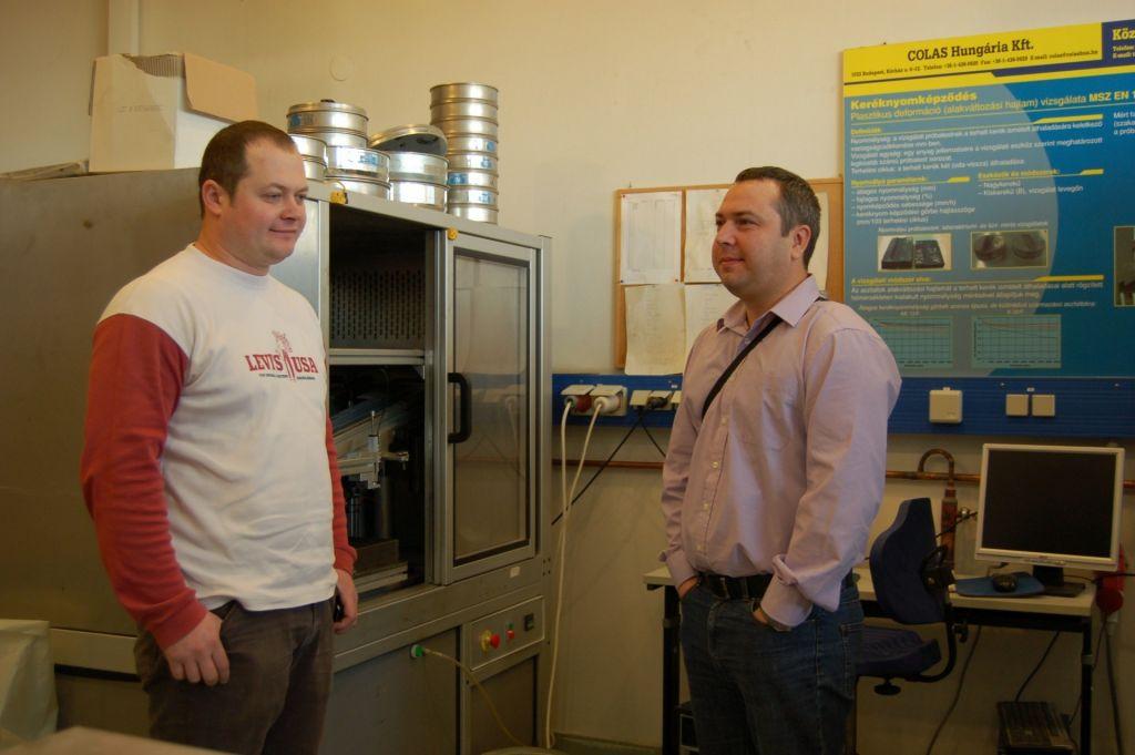 Horvát kollégákat látott vendégül a központi labor 1