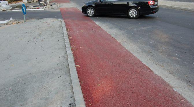 Piros aszfaltcsík a Budafoki úton 1
