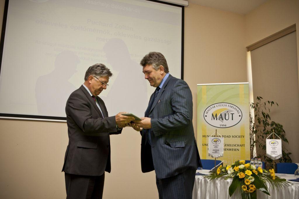 Vásárhelyi-díjat kapott Puchard Zoltán 1
