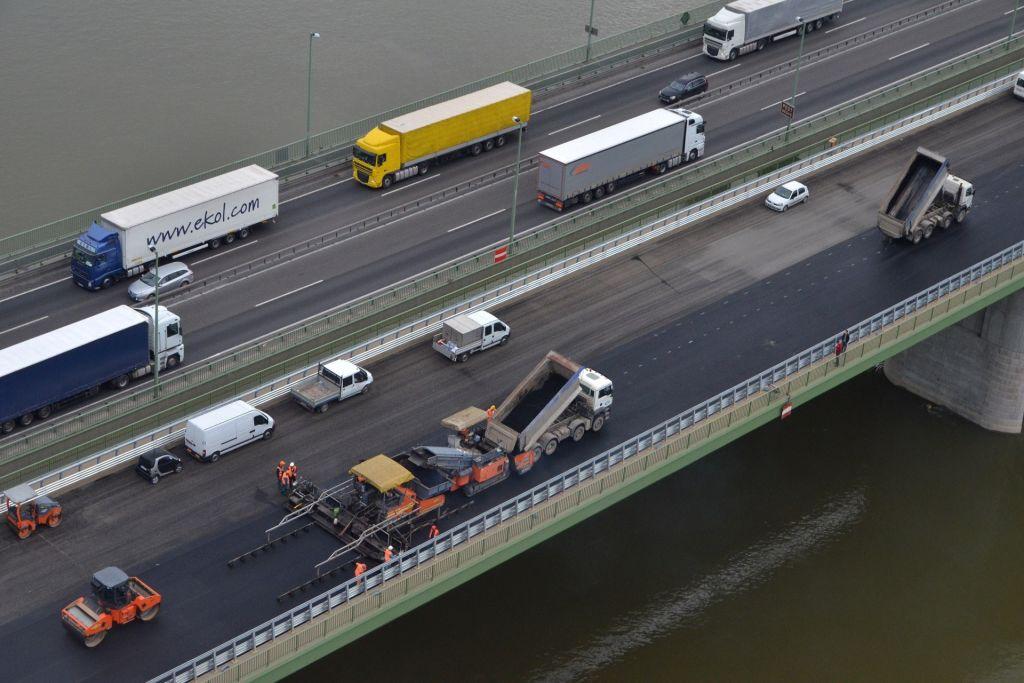 Hárosi Duna-híd pályalemez 1