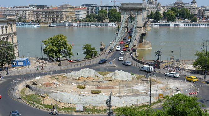 Villamosalagút átépítés a Clark Ádám téren 4